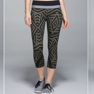 Lululemon Run Inspire Crop II Full-On Luxtreme 6